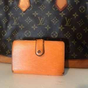 LOUIS VUITTON EPI WALLET ORANGE